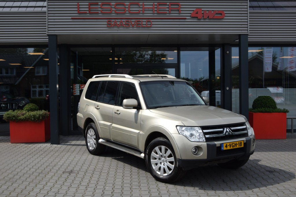 MITSUBISHI PAJERO 3.2 DID 5DRS A/T VAN MARGE | Lesscher 4WD